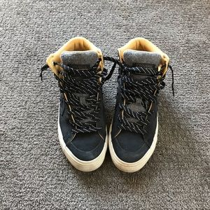Converse High Top Sneakers Womens 8.5
